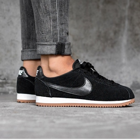 Nike Classic Cortez Trainers In Black Suede free shipping best store to get wholesale price sale online IEAvNF